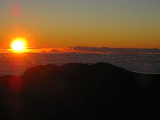 Haleakala Crater: Sunrise at the summit