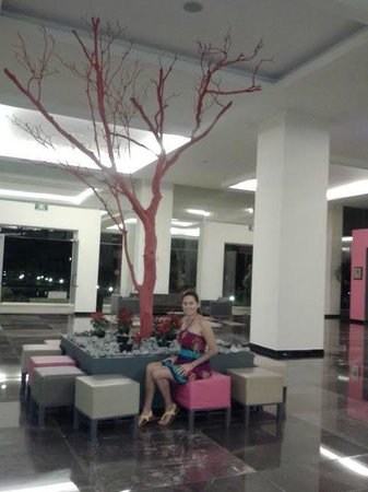 Grand Oasis Palm: lobby