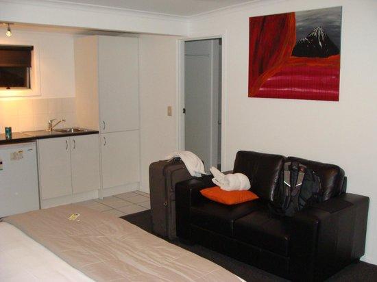 Mokau Motels: Living area 2