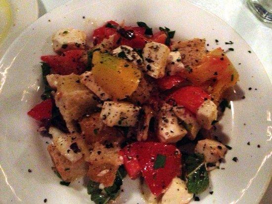 Della Santina's Trattoria: Delicious Panzanella Salad