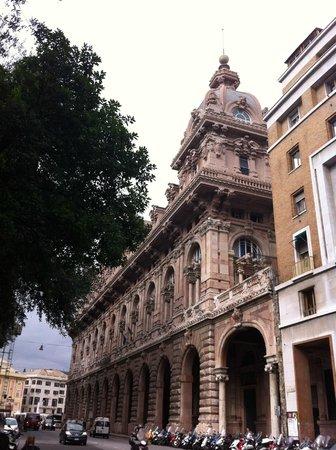 Hotel Nuovo Nord : Arquitetura em Genova! Cidade espetacular e surpreendente!