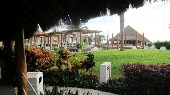 Ocean Coral & Turquesa : lits piscine principale