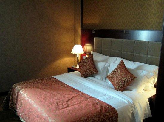 Gaoye Hotel: Bedroom