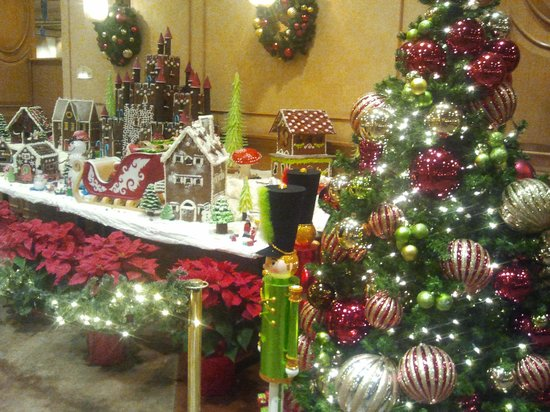 JW Marriott Las Vegas Resort & Spa : Christmas display on site
