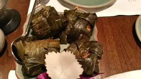 Baan Khanitha Thai Cuisine : BBQ Chicken in leaves