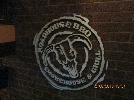 Roadhouse Barbecue: Logo