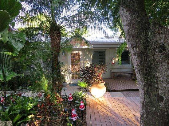 Kona Kai Resort, Gallery & Botanic Garden: Guava room entrance