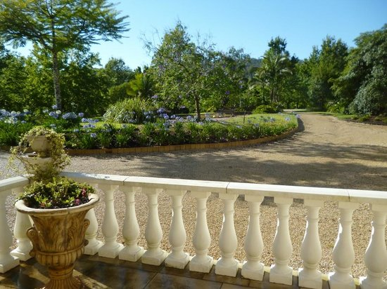 The Villa At Hannam Vale : Driveway