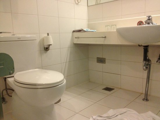 Bathroom Picture Of Holiday Inn Express Beijing Minzuyuan Beijing Tripadvisor