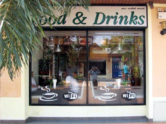 The Balcony Restaurant and Bakery : Essen und Getränke