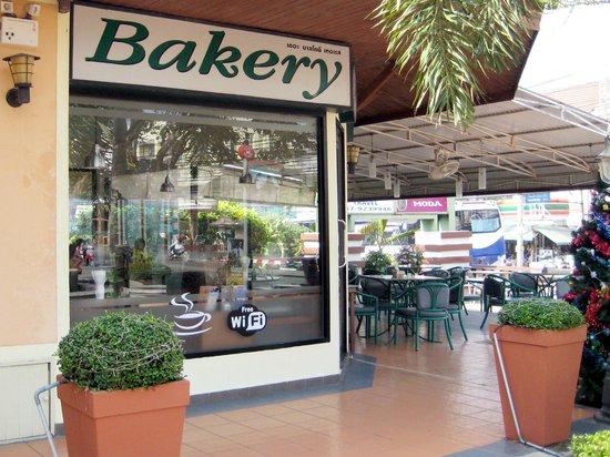 The Balcony Restaurant and Bakery : Diverse Kuchen und Torten im Angebot
