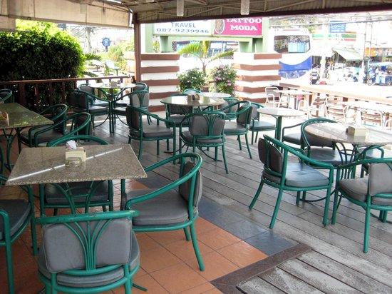 The Balcony Restaurant and Bakery : Terrassenbereich