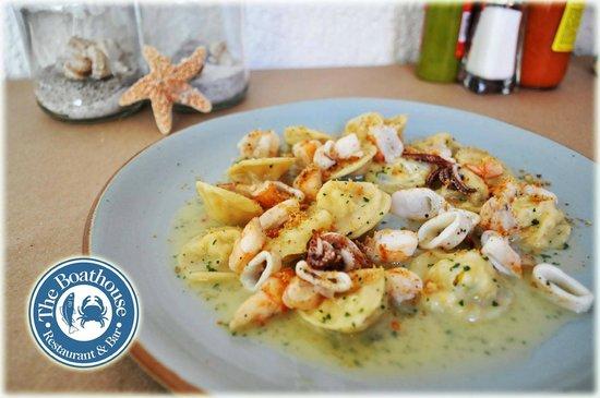 The Boathouse Restaurant & Bar: ravioles de elote dulce y calamar