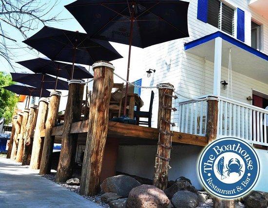 The Boathouse Restaurant & Bar: muelle