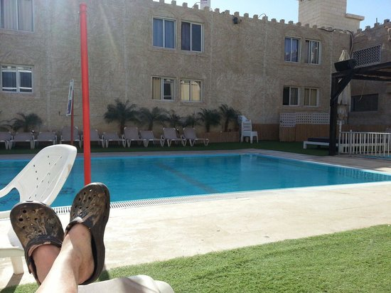Be Center : Hotellet har egen pool.