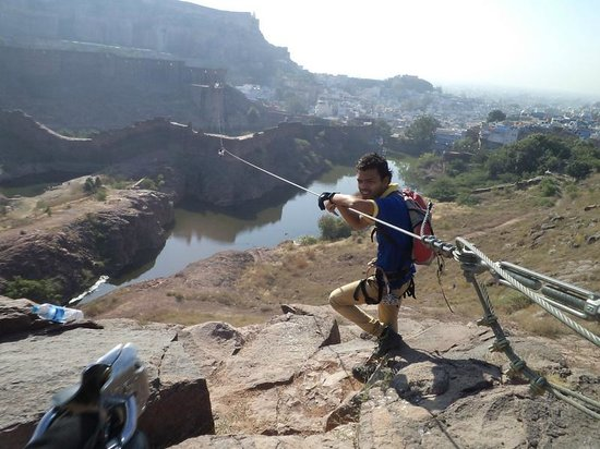 Flying Fox Jodhpur: Guides helping us go on Zipline3