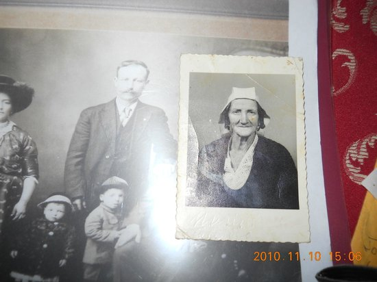Dino's Hotel: THIS IS AN OLD PHOTO OF MY GRANDFATHER AND A PHOTO OF HIS SISTER.