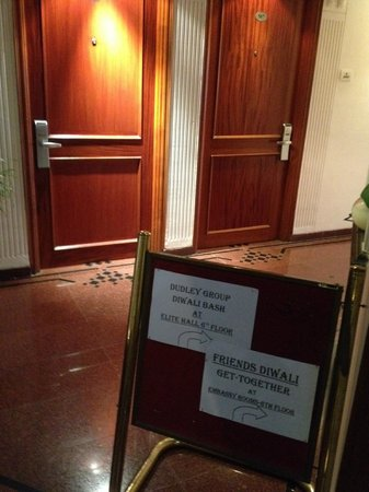 Tunga Paradise Hotel: booked room and sign to Diwali Party around the corner
