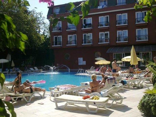 Asdem Park Hotel : Отель