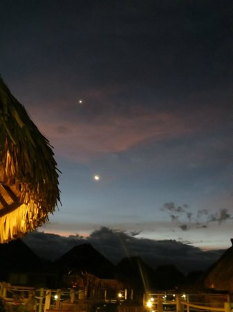 Toatea Crepes Restaurant & Bar: crazy skies