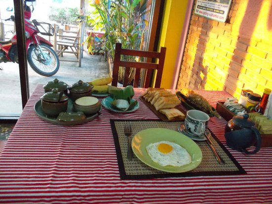 Pin Pao Guesthouse: Nice breakfast
