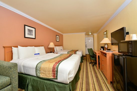 Americas Best Value Inn & Suites - San Francisco Airport: Two Queen Bed Room Deluxe