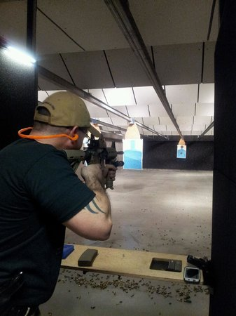 Stone Hart's Gun Club & Indoor Range: Come Shoot with Us