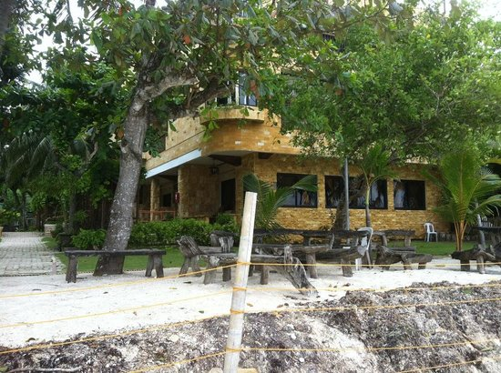 Dumaluan Beach Resort: We were there but we will never go back!
