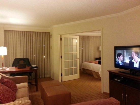 Atlanta Marriott Suites Midtown: Room