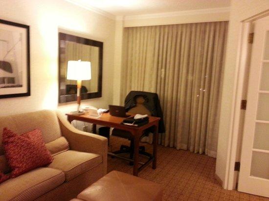 Atlanta Marriott Suites Midtown: Work Area