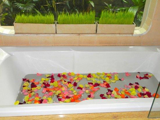 Mia Resort Mui Ne: bañera