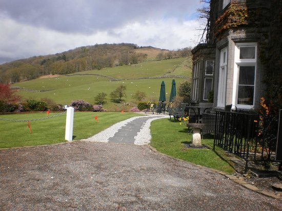 Holbeck Ghyll Country House : Drive way