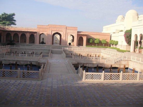 The Oberoi Amarvilas: Main entrance
