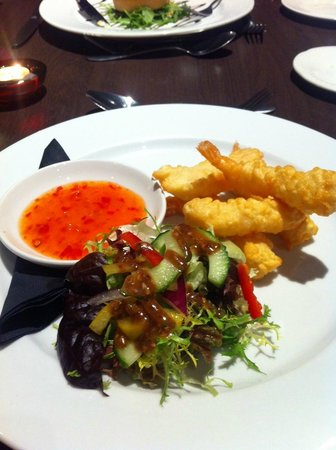 Northop Hall Country House Hotel: Extremely tasty Tempura Battered Prawns