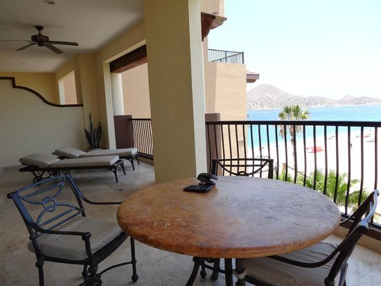 Villa del Arco Beach Resort & Spa: looking from the patio on to the beach towards the Cape