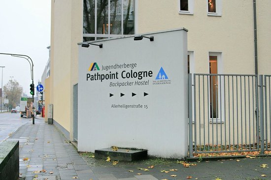 Jugendherberge Pathpoint Cologne: outdooor sign