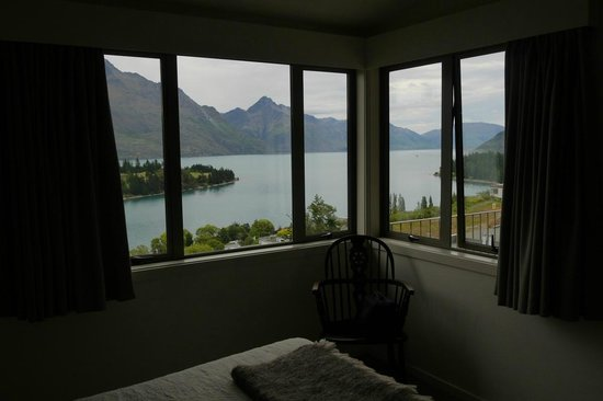 The B & B on the Hill: Lake Room View