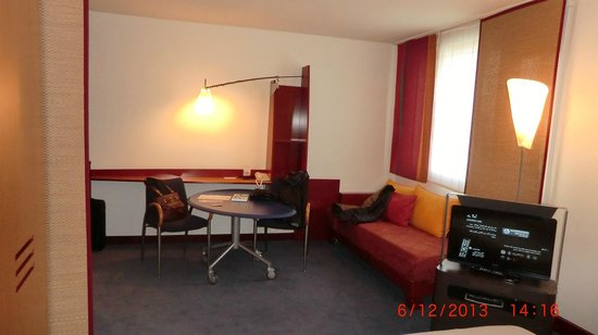 Novotel Suites Lille Europe hotel : 'Living' area