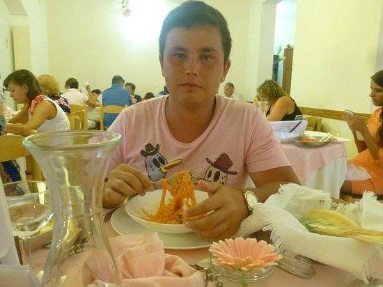 Mini Hotel : Ужин в отеле