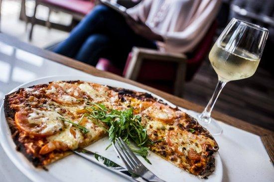 Southern Sun Pietermaritzburg: V&V - pizza