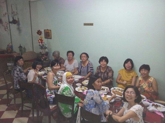 Kocik Kitchen : School girls Gathering in Kocik