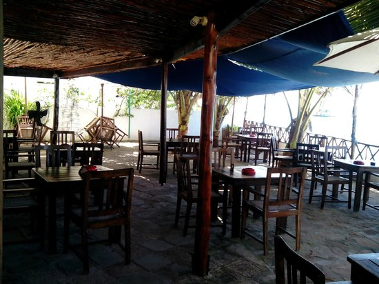 Travellers Cafe: weather is is nice