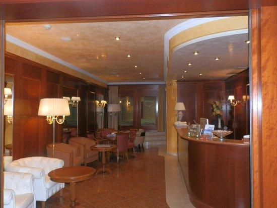 Hotel Regina : Lobby