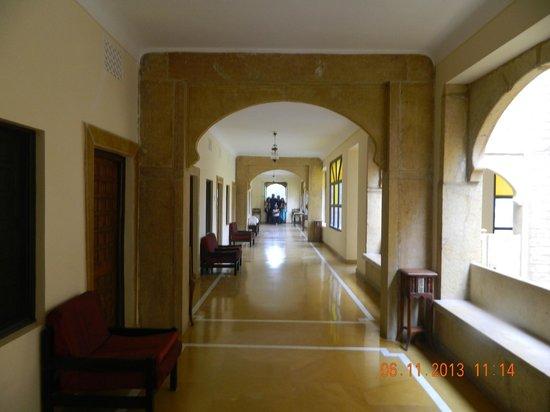 Narayan Niwas Palace: lobby