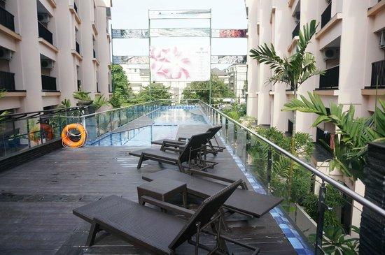 Park Regis Kuta Bali : outdoor pool
