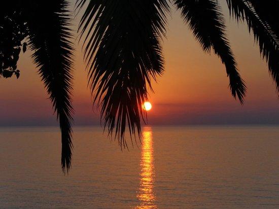 Mayor La Grotta Verde Grand Resort: sunset