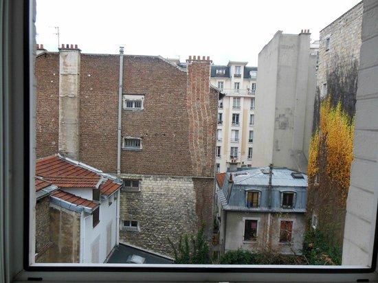 Hotel Donjon Vincennes: vue chambre 30