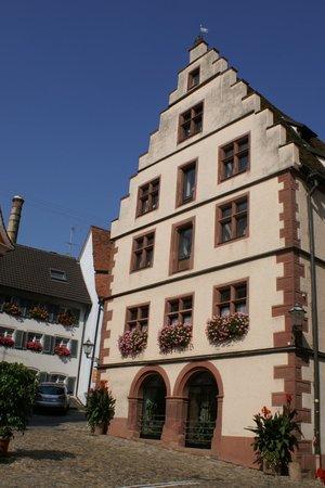 Altstadt von Endingen am Kaiserstuhl: rathaus