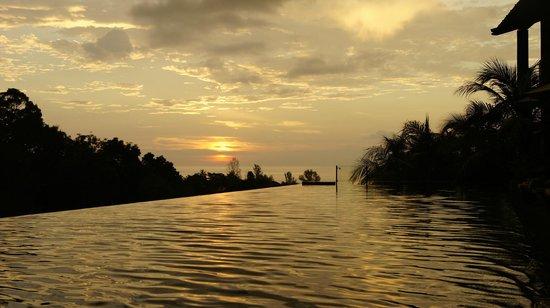 Avista Hideaway Phuket Patong, MGallery by Sofitel: Basen