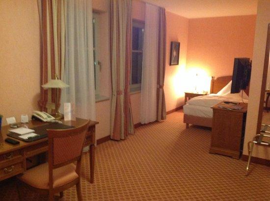 Hotel Villa Monte Vino : Spacious room